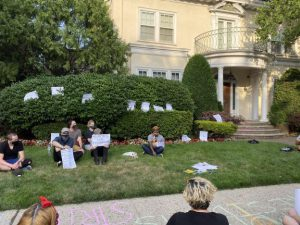 Adjuncts Hold Teach-In Outside of Prez's Home
